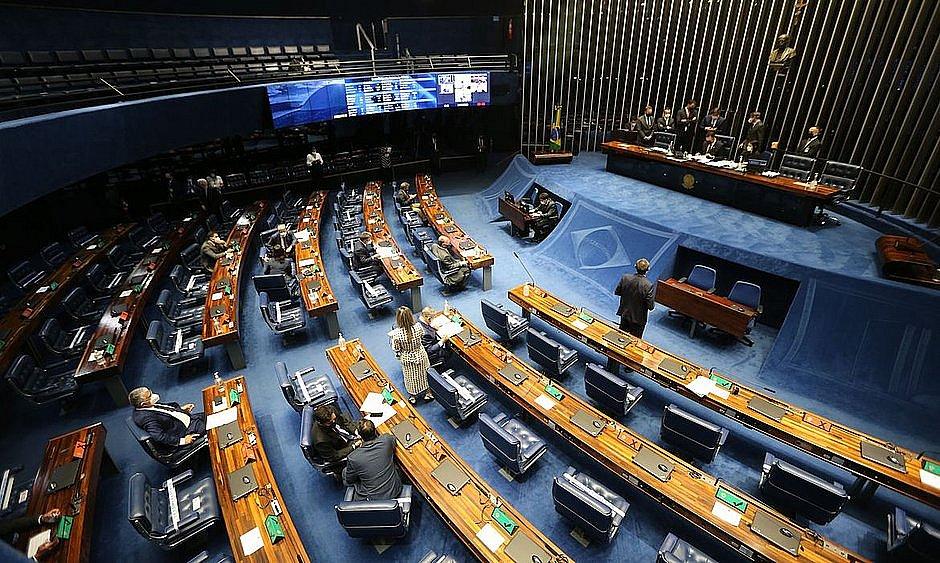 Proposta ainda depende da Câmara e da sanção do presidente Bolsonaro para entrar em vigor. Medida visa continuidade do benefício para profissionais do setor em 2021
