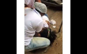 Acidente aconteceu na manhã desta sexta-feira (9), em São Sebastião do Passé. Vítimas não foram feridas com gravidade e serviço foi suspenso temporariamente. Prefeitura ainda não informou quando aplicações serão retomadas.